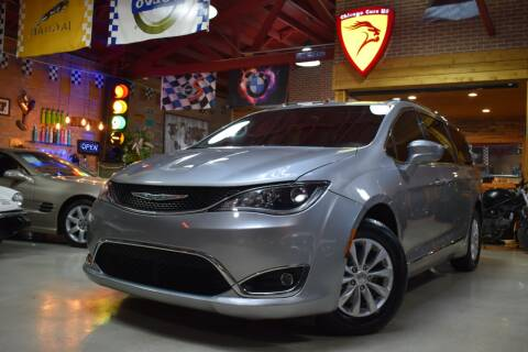 2018 Chrysler Pacifica for sale at Chicago Cars US in Summit IL
