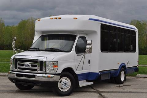 2008 Ford E-350 for sale at Chicago Cars US in Summit IL