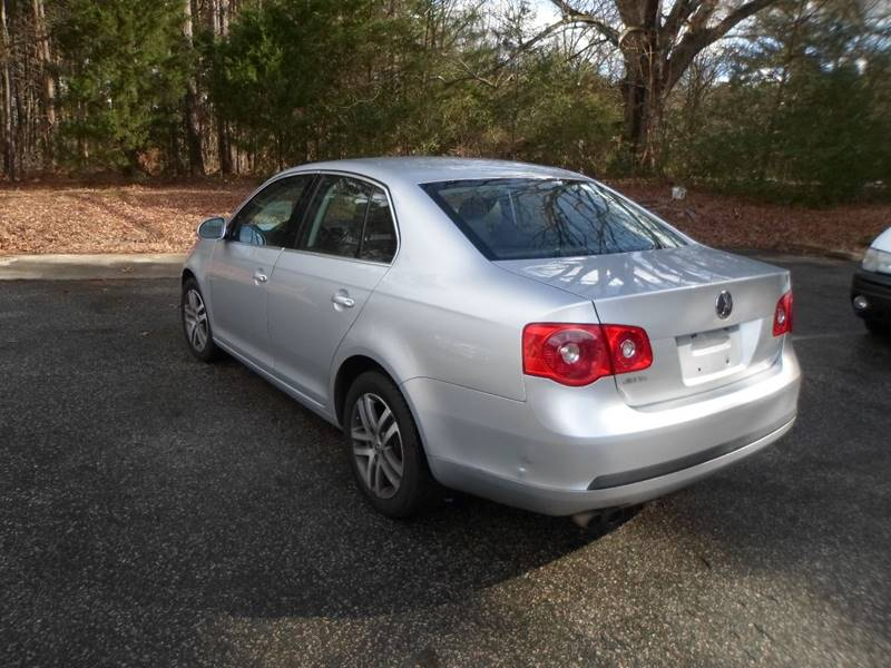 2005 Volkswagen Jetta New 2.5 4dr Sedan - Morrisville NC