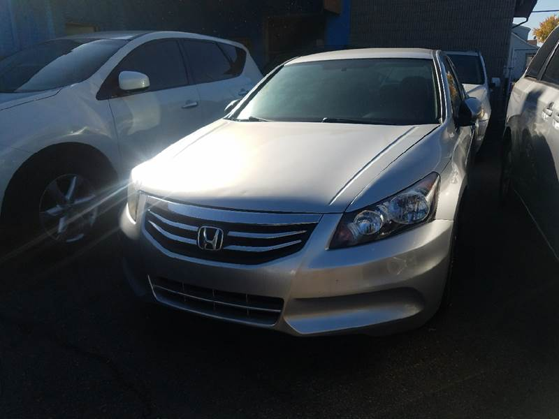 2012 Honda Accord for sale at The Bengal Auto Sales LLC in Hamtramck MI