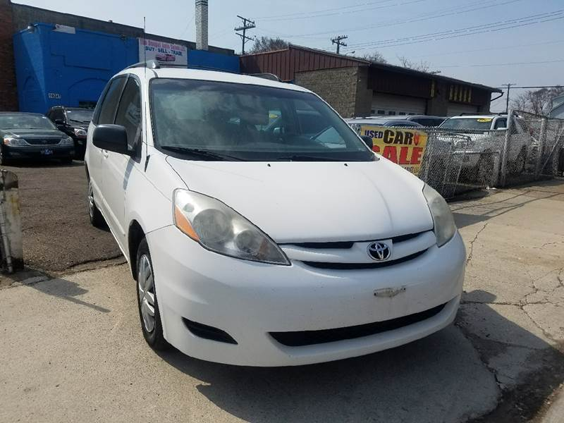 2007 Toyota Sienna for sale at The Bengal Auto Sales LLC in Hamtramck MI