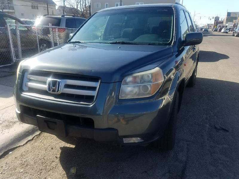 2006 Honda Pilot for sale at The Bengal Auto Sales LLC in Hamtramck MI
