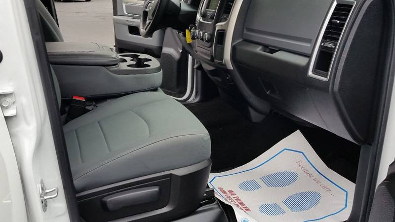 2016 RAM Ram Pickup 1500 4x4 SLT 4dr Crew Cab 5.5 ft. SB Pickup - Saratoga Springs NY