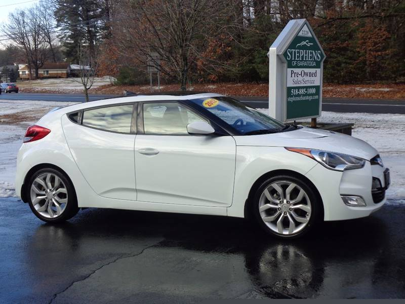 2012 Hyundai Veloster 3dr Coupe w/Black Seats - Saratoga Springs NY