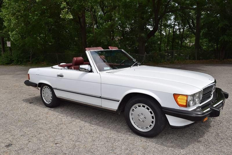 1986 Mercedes-Benz 560-Class for sale at Bill Dovell Motor Car in Columbus OH