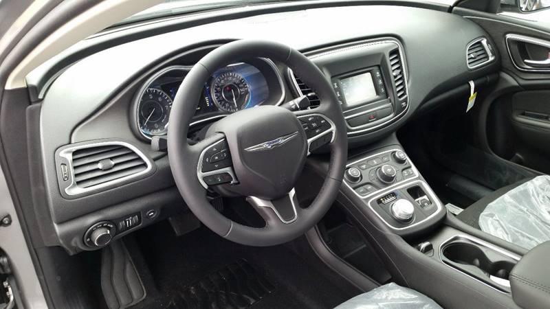 2016 Chrysler 200 LX 4dr Sedan - Greenwich NY