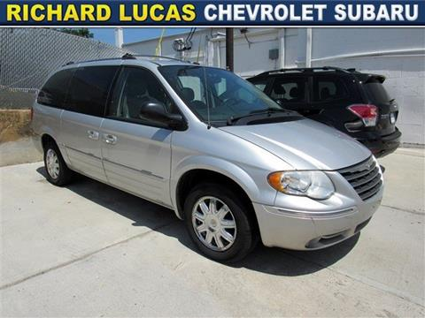 2006 Chrysler Town and Country for sale in Avenel, NJ