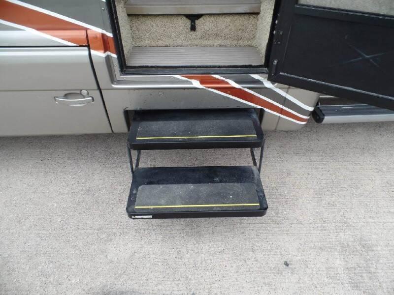 2008 Dodge Sprinter Cab Chassis WINNEBAGO NAVION 24J - Houston TX