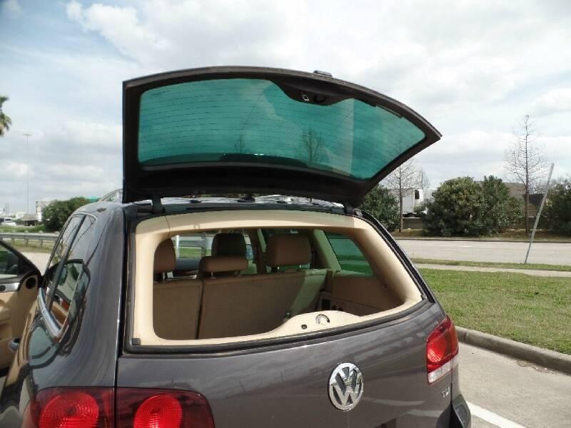 2010 Volkswagen Touareg V6 TDI 4dr SUV - Houston TX