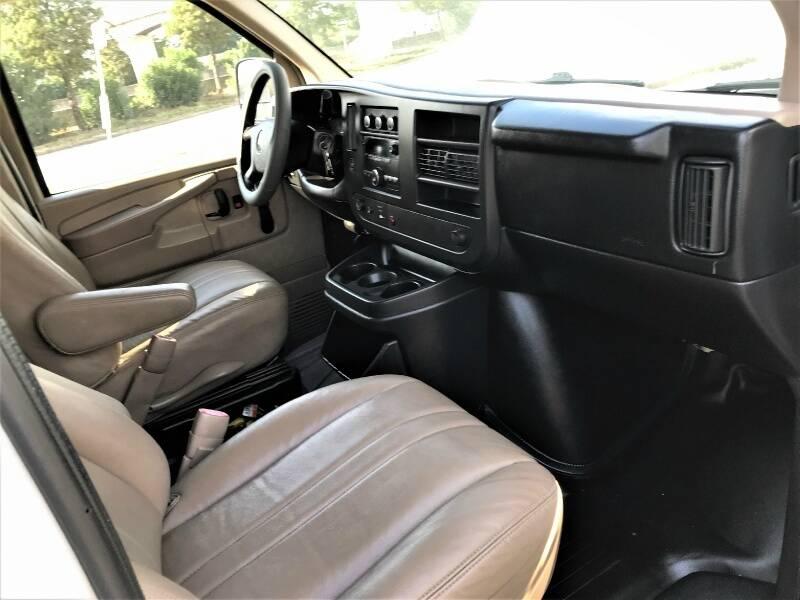2011 Chevrolet Express Cargo 2500 3dr Cargo Van w/ 1WT - Houston TX