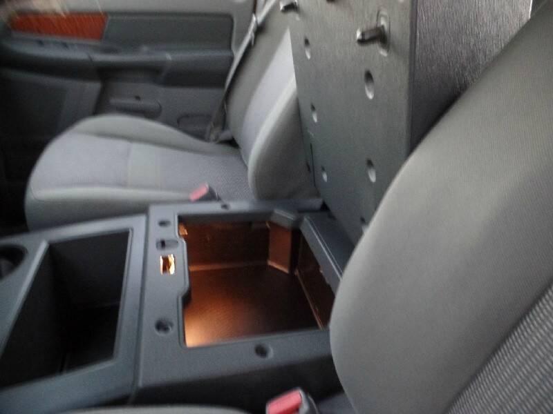 2006 Dodge Ram Pickup 1500 4dr Quad Cab 140.5 4WD SLT - Houston TX