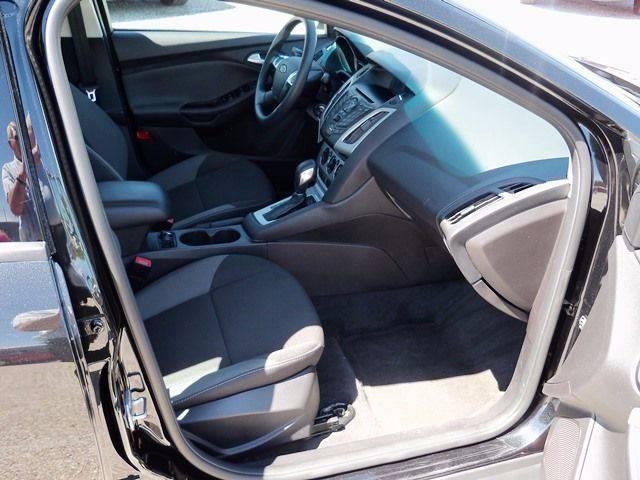 2014 Ford Focus SE 4dr Sedan - Lyons KS