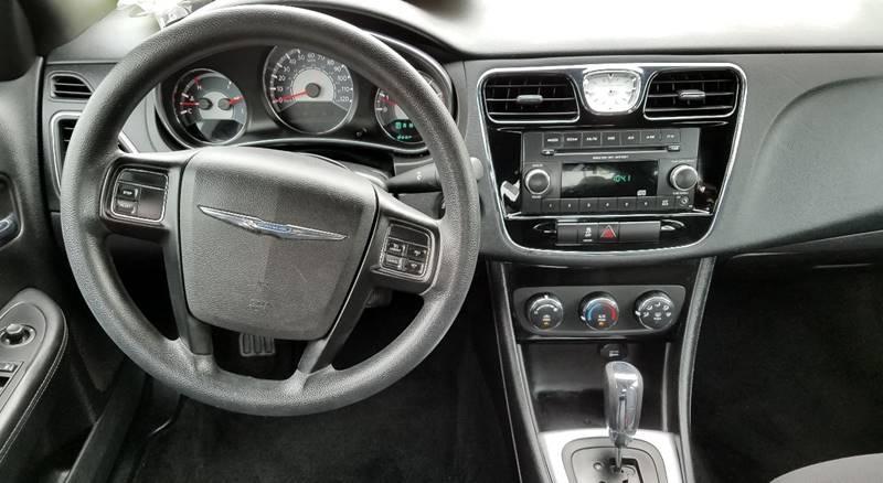 2013 Chrysler 200 LX 4dr Sedan - San Juan TX