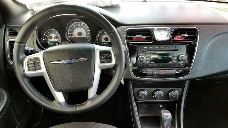 2013 Chrysler 200 Touring 4dr Sedan - San Juan TX
