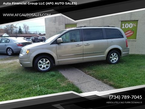 2009 Chrysler Town and Country for sale in Flat Rock, MI