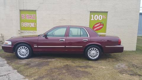 2009 Mercury Grand Marquis for sale at Auto Financial Group LLC (AFG AUTO SALES) in Flat Rock MI
