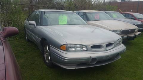 1997 Pontiac Bonneville for sale in Flat Rock, MI