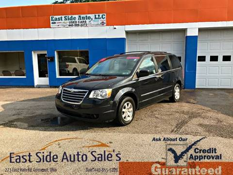 2009 Chrysler Town and Country for sale at EAST SIDE AUTO SALES in Conneaut OH