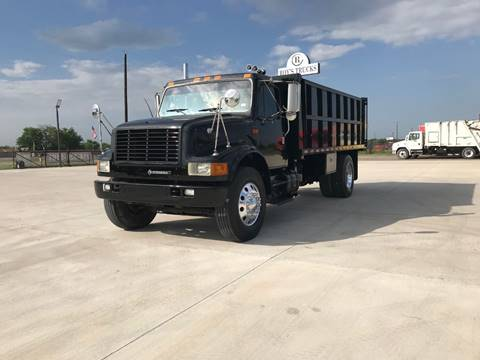 2001 International 4900 for sale in Caddo Mills, TX