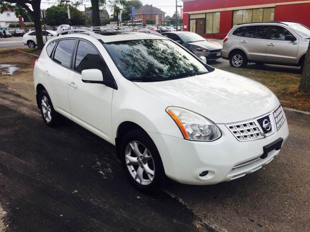 2008 Nissan Rogue White A and E Motors