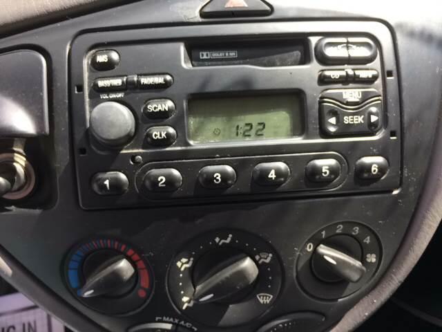2003 Ford Focus LX 4dr Sedan - West Warwick RI