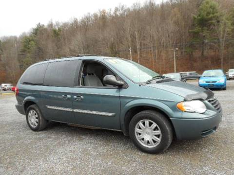2007 Chrysler Town and Country for sale in Titusville, PA