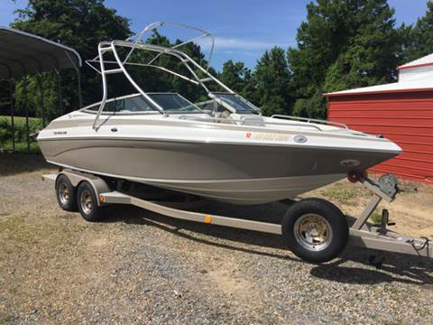 2003 Crownline 225BR for sale in Augusta, AR
