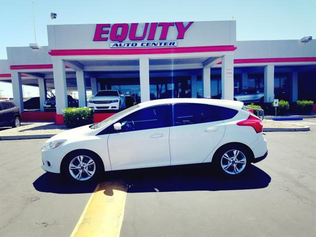 2014 FORD FOCUS SE 4DR HATCHBACK white stability controlsecurity anti-theft alarm systemphone w