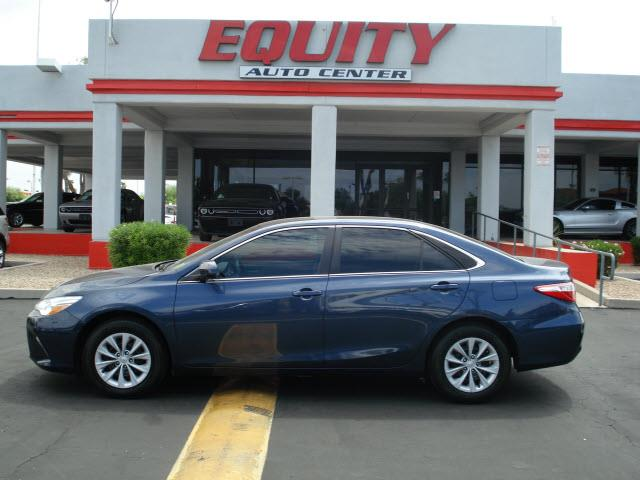 2016 TOYOTA CAMRY LE 4DR SEDAN dk blue rear view camerarear view monitor in dashsteering wheel