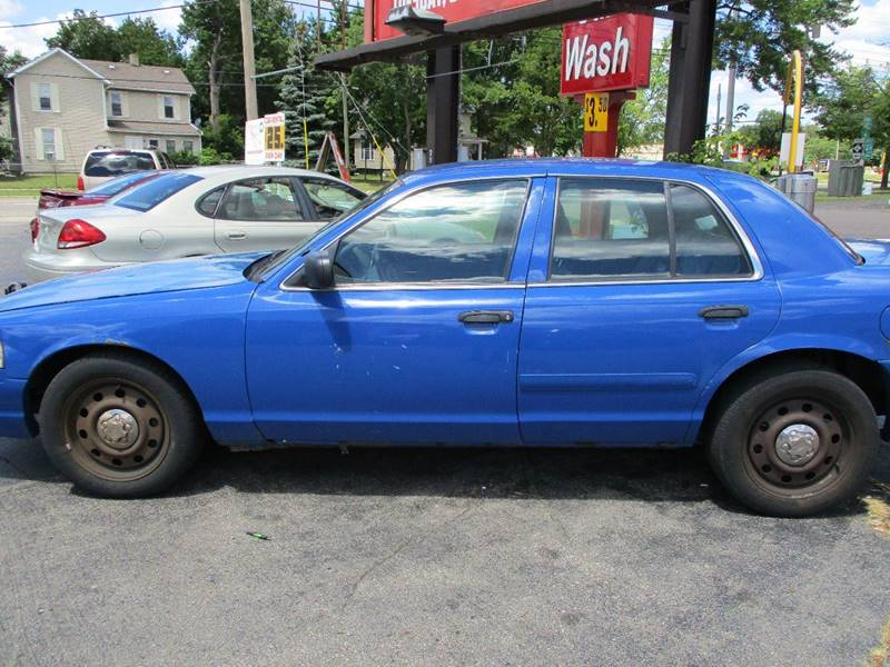 2006 Ford Crown Victoria Police Interceptor 4dr Sedan (3.55 axle) w/Driver and Passenger Side Air Bags - Lansing MI