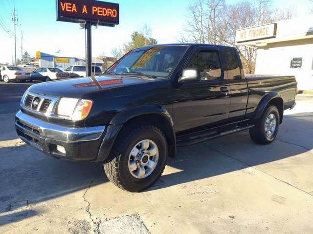 1999 Nissan Frontier 2dr SE 4WD Extended Cab SB   Johnson City TN