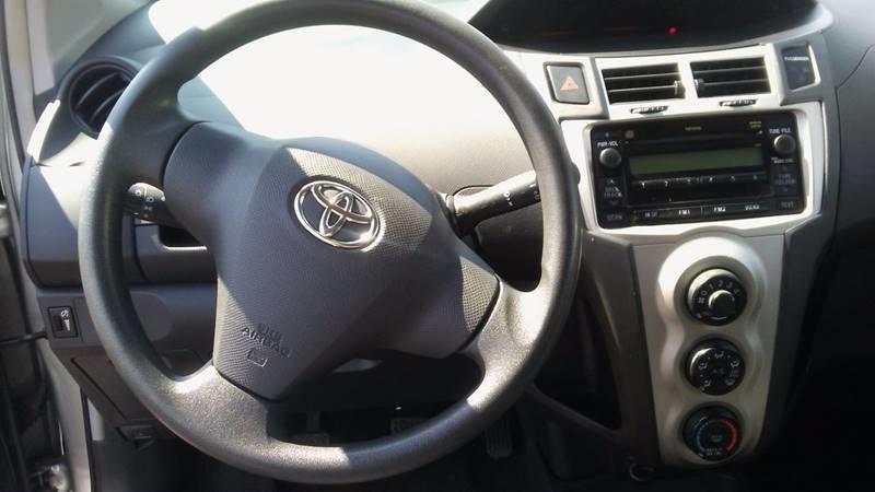 2010 Toyota Yaris 2dr Hatchback 5M - Staten Island NY