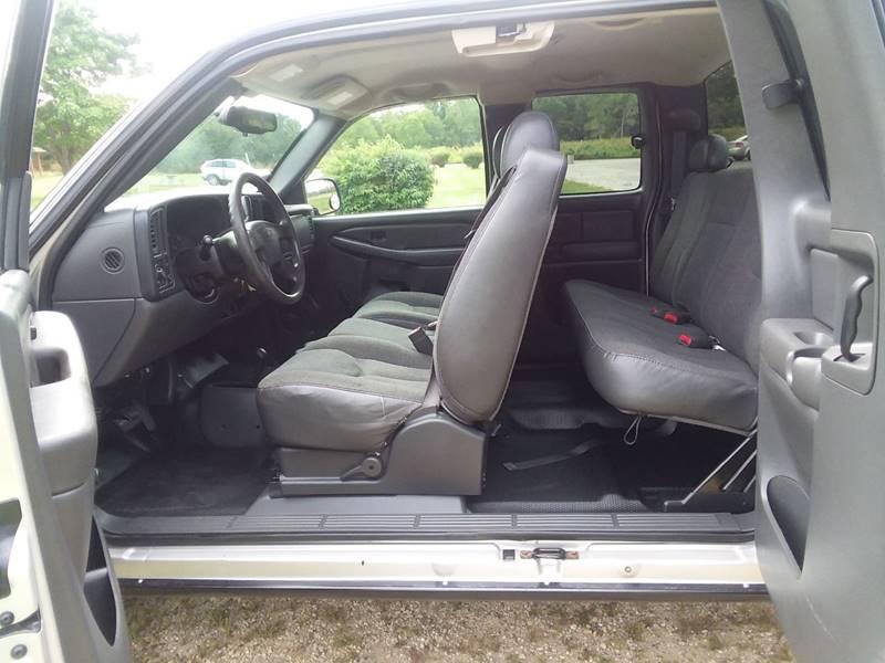 2004 Chevrolet Silverado 1500 Classic for sale at Auto Group Sales & Service Inc in Roscoe IL