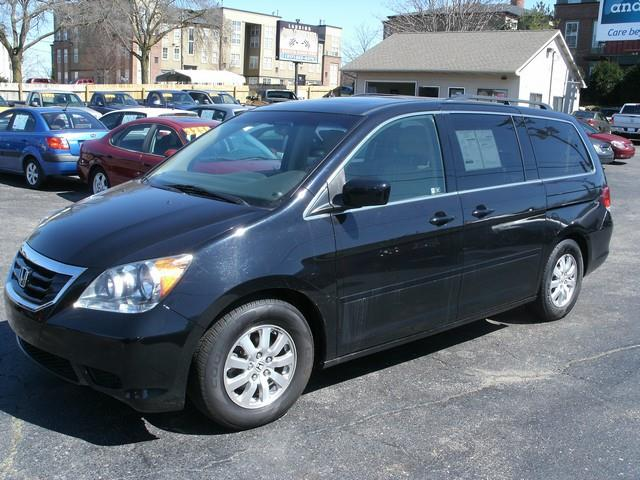 2008 HONDA ODYSSEY EX-L black this van is in excellent condition and has every option imaginable