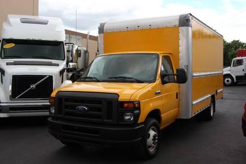 2015 Ford E350 ECONOLINE BOX TRUCK for sale in Portland, OR