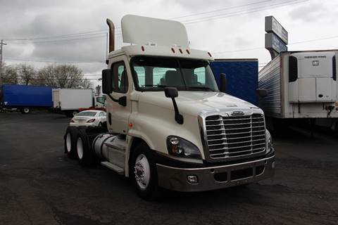 2012 Freightliner Cascadia for sale in Portland, OR