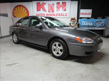 2005 Ford Taurus for sale in Akron, OH