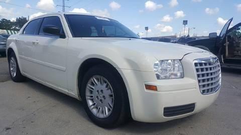 2006 Chrysler 300 for sale at Prunto Motor Inc. in Dearborn MI