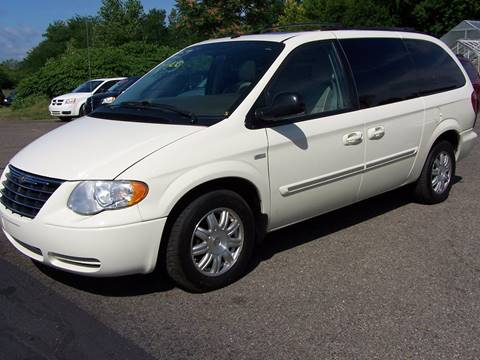 2007 Chrysler Town and Country for sale in Battle Creek, MI