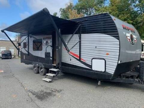 2018 Chinook RV RPM 26FB for sale at Worthington Air Automotive Inc in Williamsburg MA