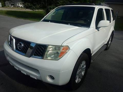 2005 Nissan Pathfinder for sale at Happy Days Auto Sales in Piedmont SC