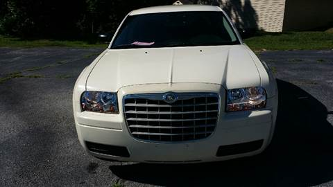 2006 Chrysler 300 for sale at Happy Days Auto Sales in Piedmont SC