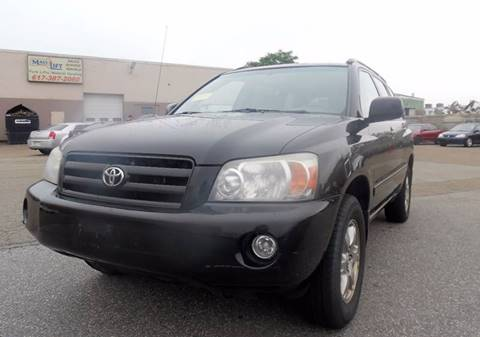 2005 Toyota Highlander for sale in Everett, MA