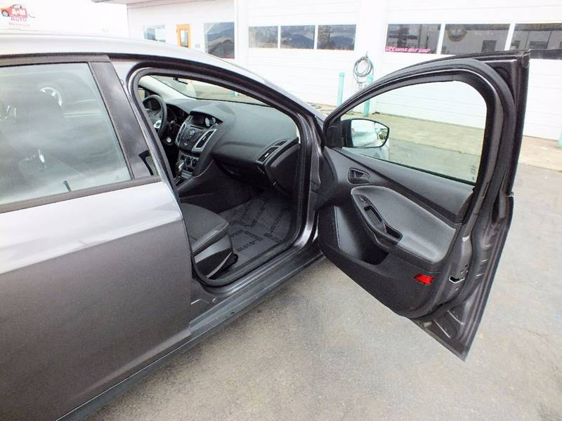 2012 Ford Focus SE 4dr Sedan - Tillamook OR