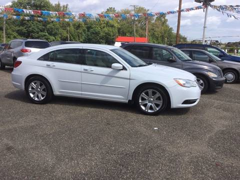 2013 Chrysler 200 for sale in Zanesville, OH