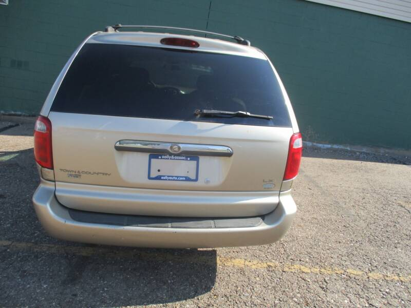 2002 Chrysler Town and Country LXi 4dr Extended Mini-Van - Alliance OH
