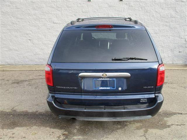 2006 Chrysler Town and Country Touring 4dr Extended Mini-Van - Alliance OH