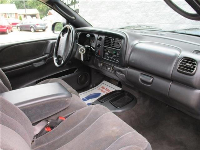 2000 Dodge Dakota 2dr Standard Cab SB - Alliance OH