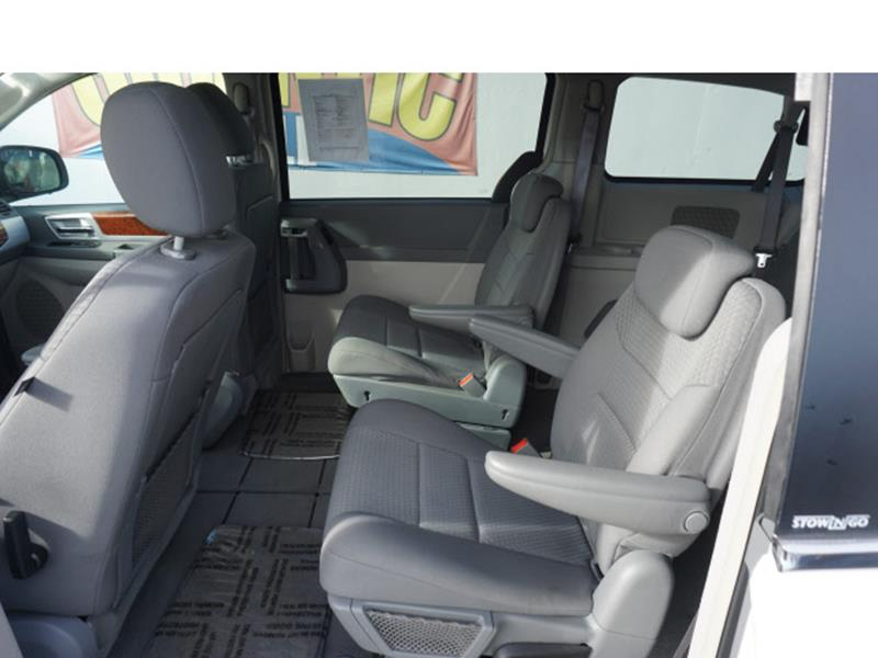 2009 Chrysler Town and Country Touring Mini-Van 4dr - Gilroy CA
