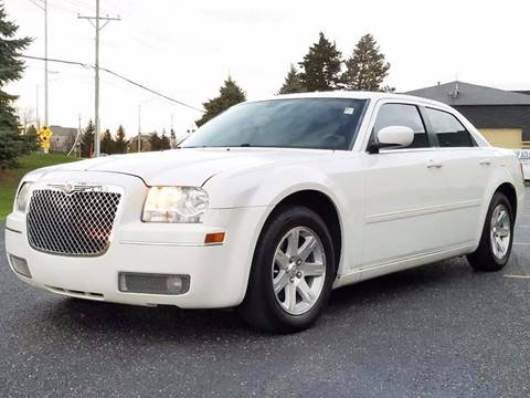 2006 Chrysler 300 for sale in Montgomery, IL